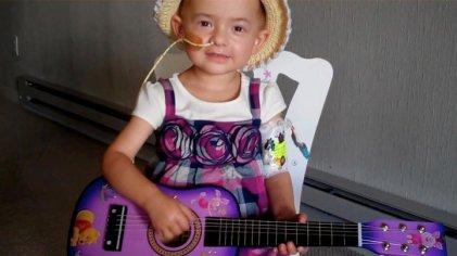 lilli guitar