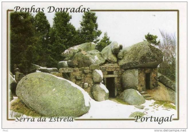 casa nella roccia portogallo