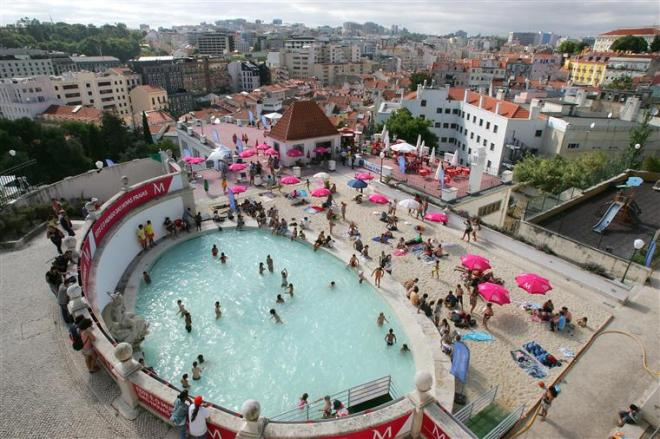 piscina pubblica lisbona gratis torel
