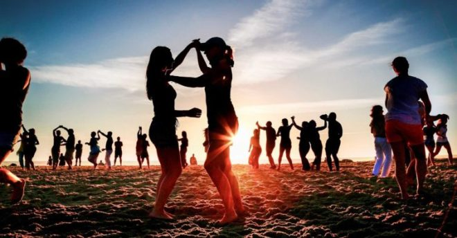 feste spiaggia cascais lisbona
