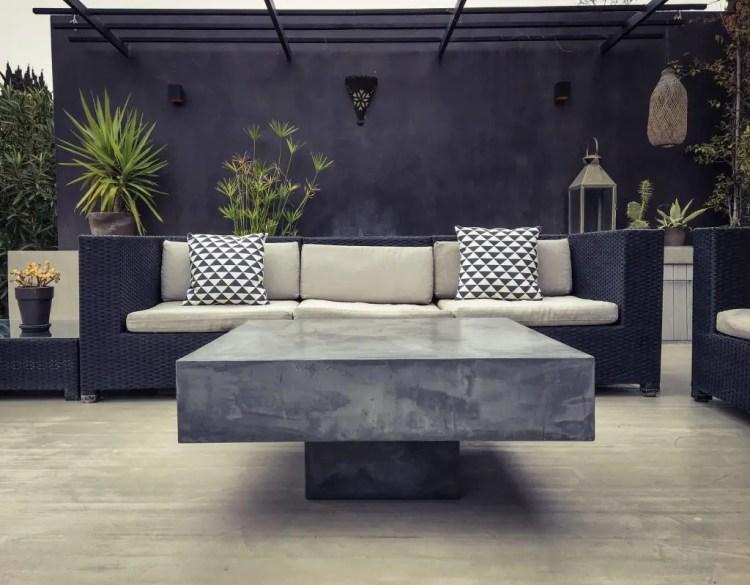 Table basse béton avec socle