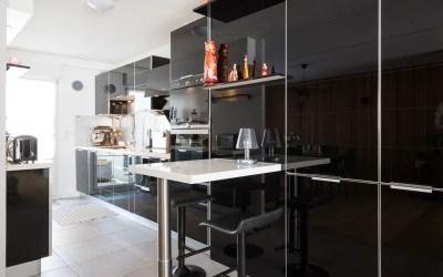 Verre dans la cuisine : bonne ou mauvaise idée ?