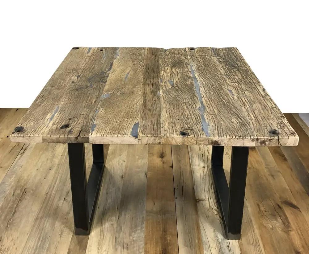 Table bois rustique en plancher de wagon
