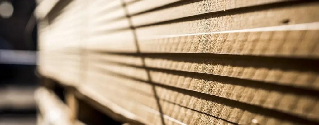 planches de bois massif