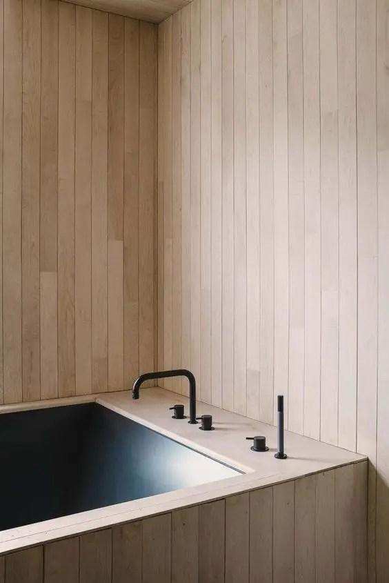 Salle de bain minimaliste détails noirs