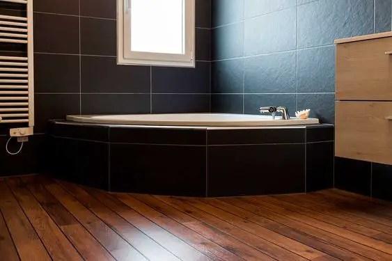 Bois intérieur ou bois extérieur pour la salle de bain ?