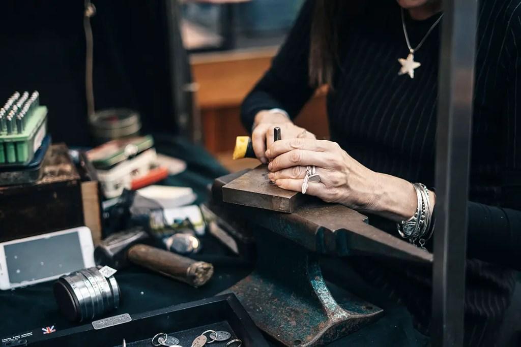 artisan au travail
