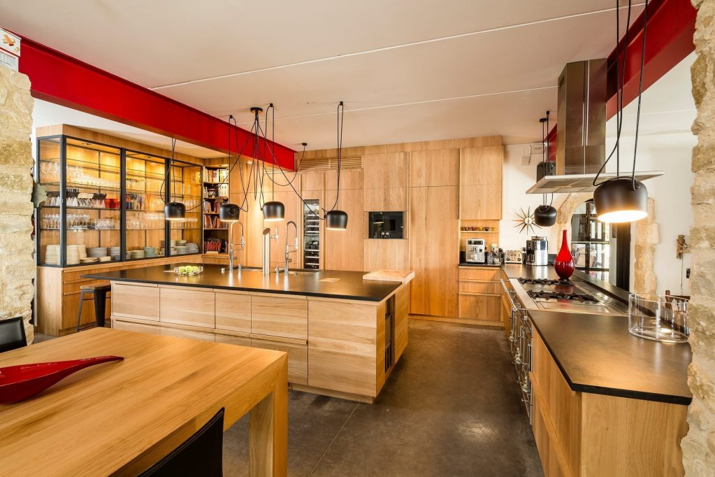 cuisine en bois massif moderne