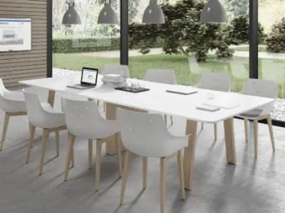 table de réunion en bois pour 8 personnes