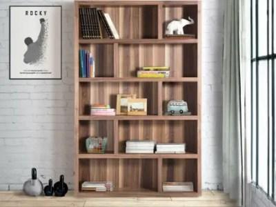 bibliothèque en bois avec étagère