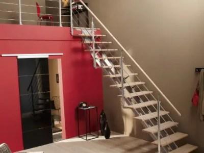 escalier droit en boit et aluminium