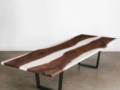 River table live edge, résine opaque, pieds en métal