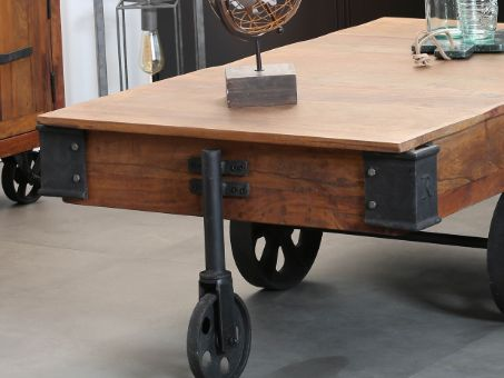 table basse vintage en bois et pieds en métal