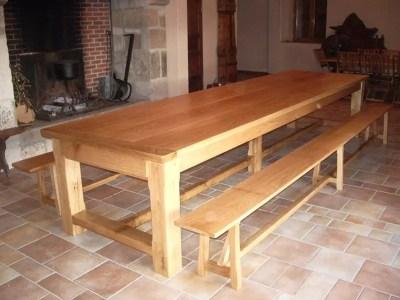 Table de campagne en bois avec pied central