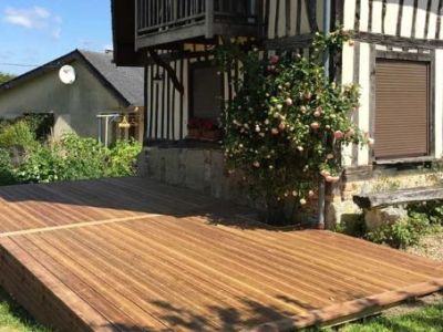 Terrasse en bois carrée