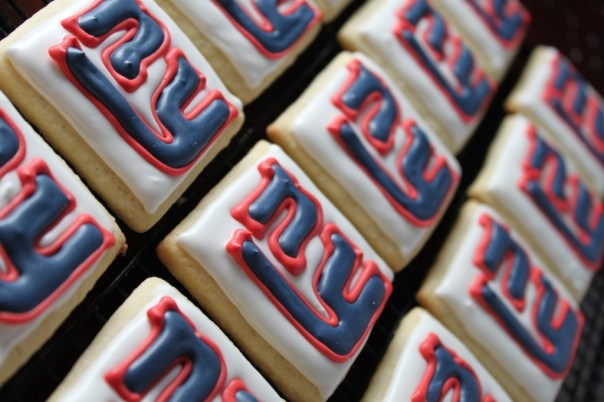 NY Giants Logo Cookies