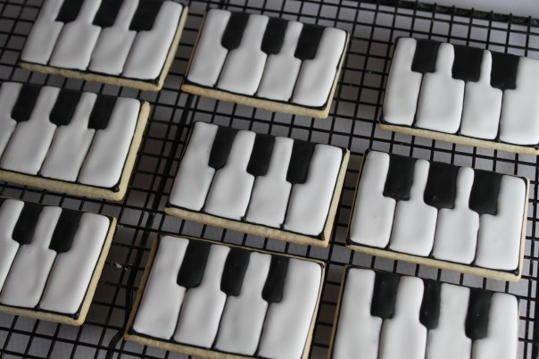 Black and White Piano Cookies