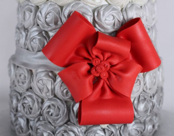Fancy Fondant Bow | Lil Miss Cakes