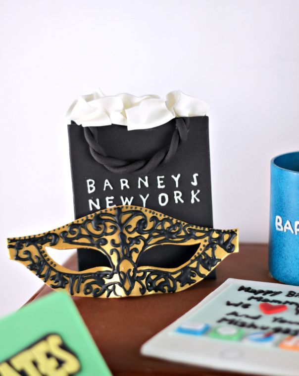 Barneys Shopping Bag | Lil Miss Cakes