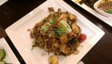"""Mee Goreng Chicken, """"Mamak-style"""""""