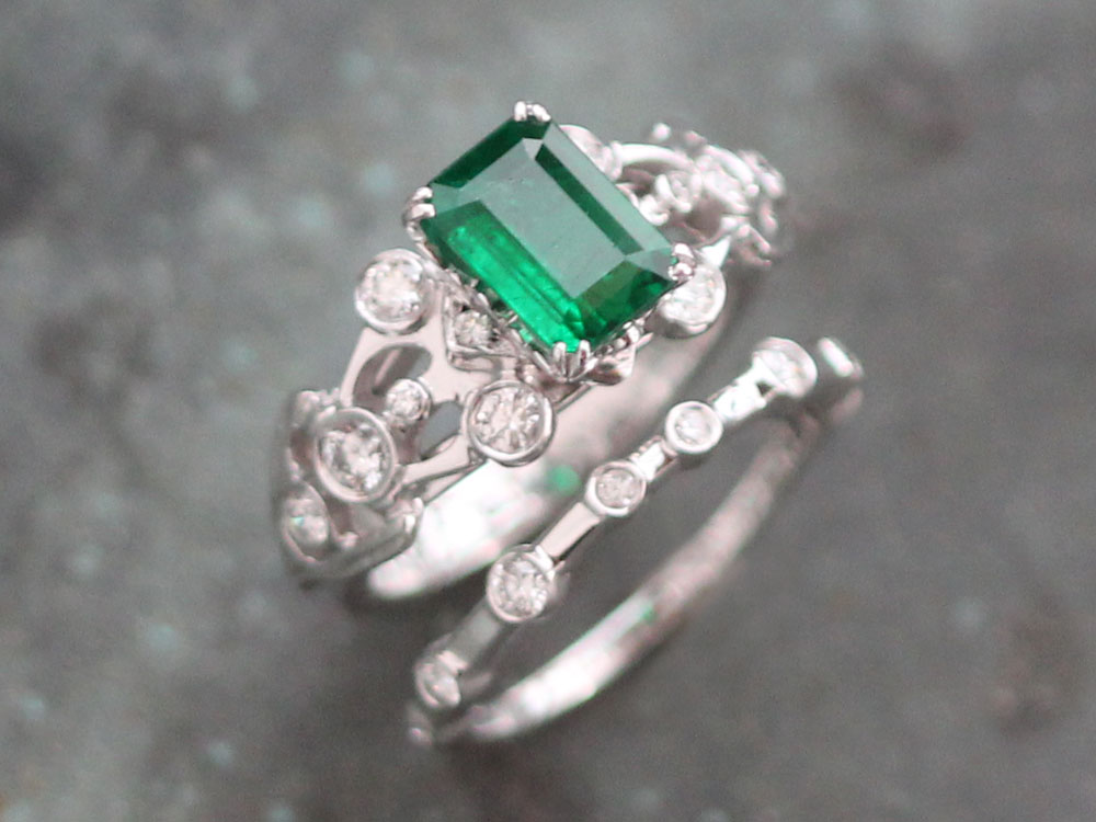 Liloveve Custom Emerald Engagement Wedding Band Set LILOVEVE