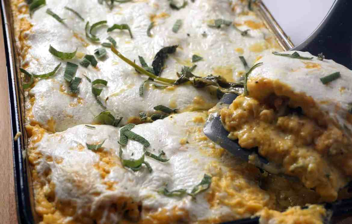 Sausage, Kale, and Butternut Squash Lasagna- The moistest lasagna you will ever put in your mouth. Spicy chicken sausage and sweet, caramelized onions complement the butternut squash and kale so perfectly.- lilsweetspiceadvice.com