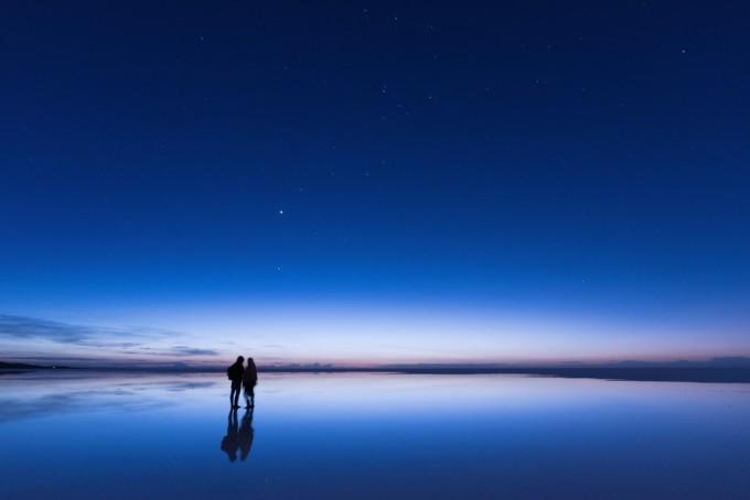 夜のカップル