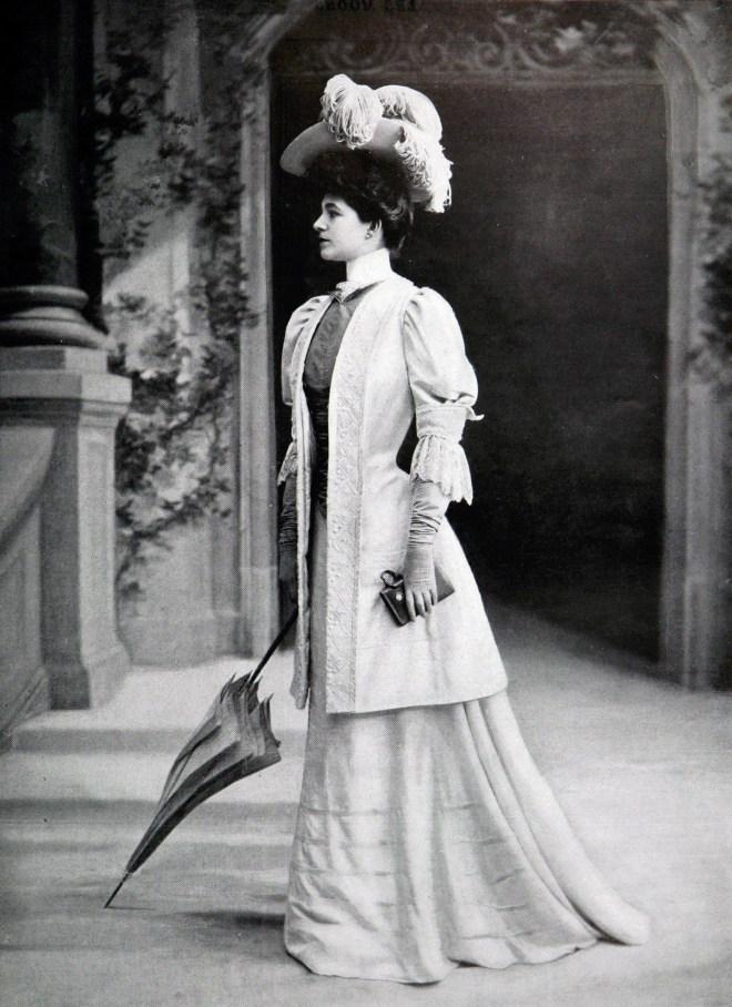 Robe_d'après-midi_par_Redfern_1905_3_cropped