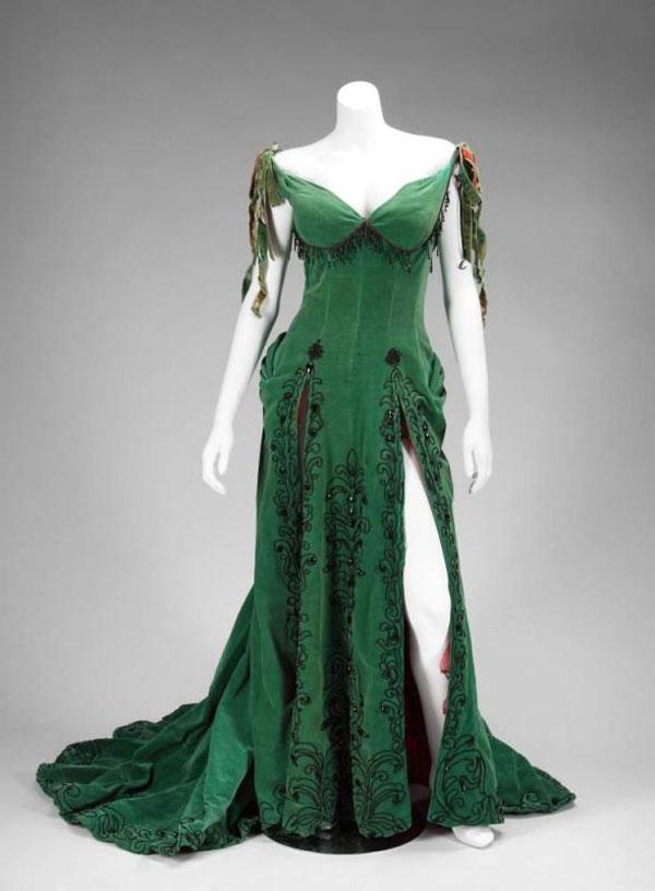 Marilyn Monroe_Emerald Dress_River of No Return1