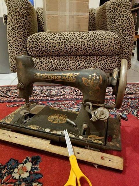 Free Sewing Machine1 Vintage