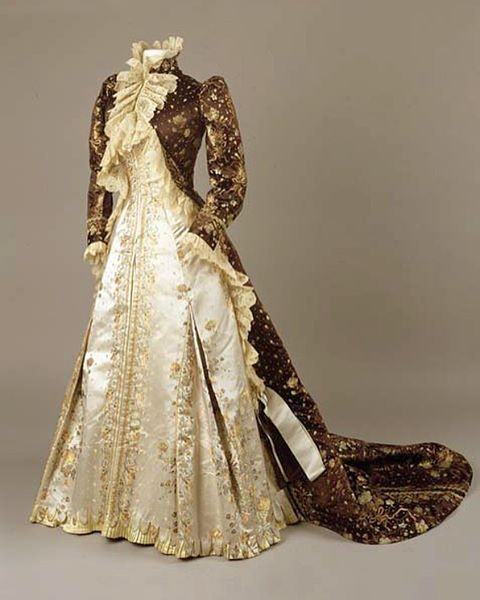 Worth tea gown afternoon dress c. 1890 - 1895