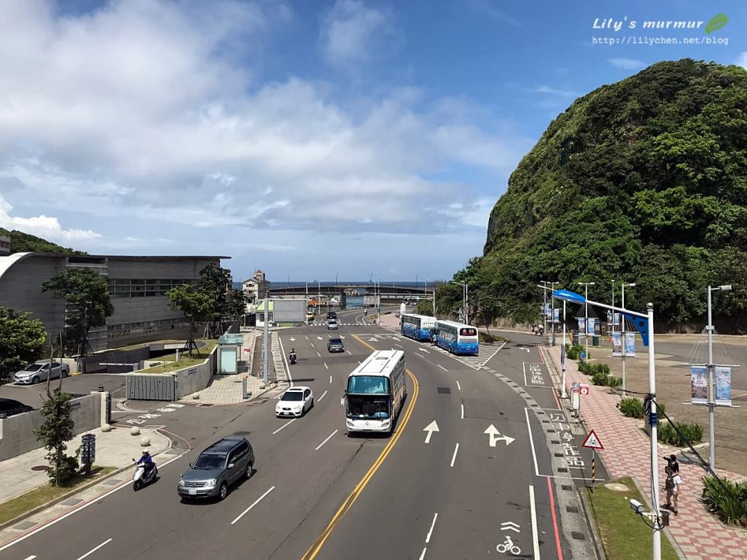 左側就是海洋科技博物館