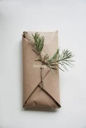 emballer ses cadeaux de Noël au naturel et sans produire de déchet.