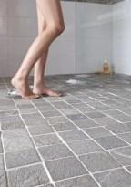 sol douche pierre naturelle