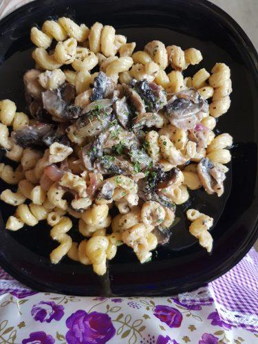 salade de pâtes champignons et à la crème