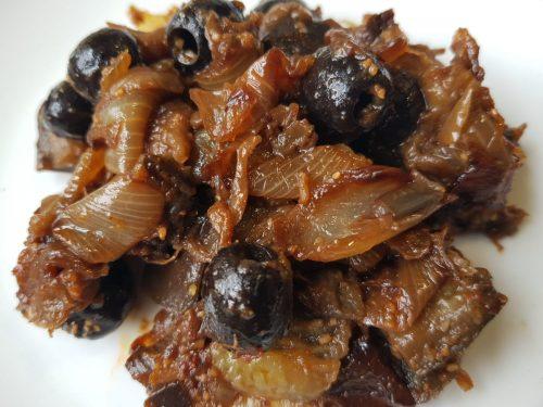 Salade cuite aubergines oignons olives noires lilygourmandises chabbat blogculinaire