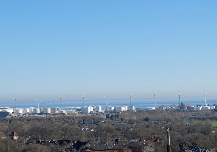Wind farms close to the edge of the city