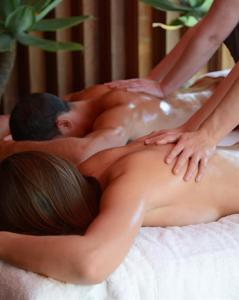 Bannisters Day Spa - Couples Massage