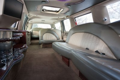 Stretch SUV Limo - Limelight Limo