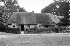 Gate Cottage, Adare, Co. Limerick (c. 1880) - Lawrence Collection