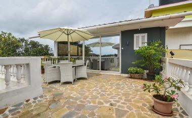Goa-Artsy Luxury Penthouse in Candolim 6
