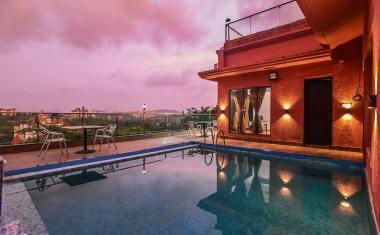 Luxury-Pool-And-Deck-Villa-13