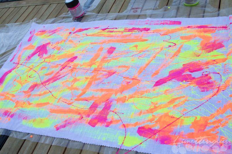 Stoff färben mit Neonfarben