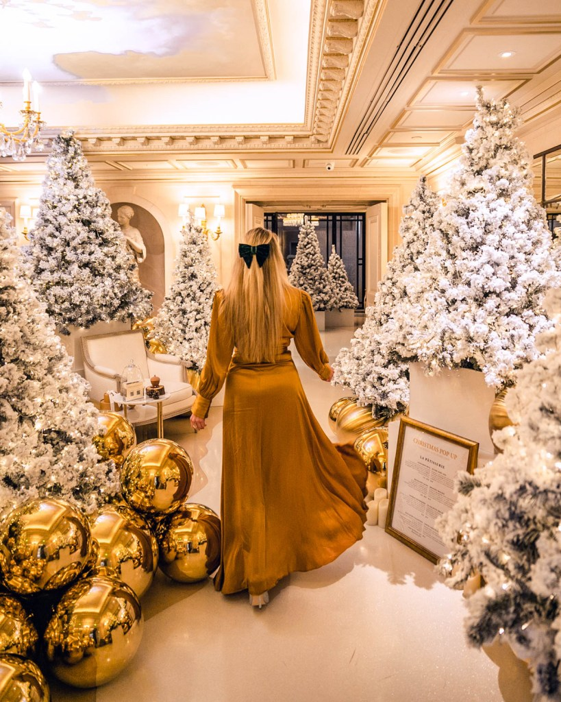 Christmas decorations in Four Seasons Hotel George V - Christmas in Paris
