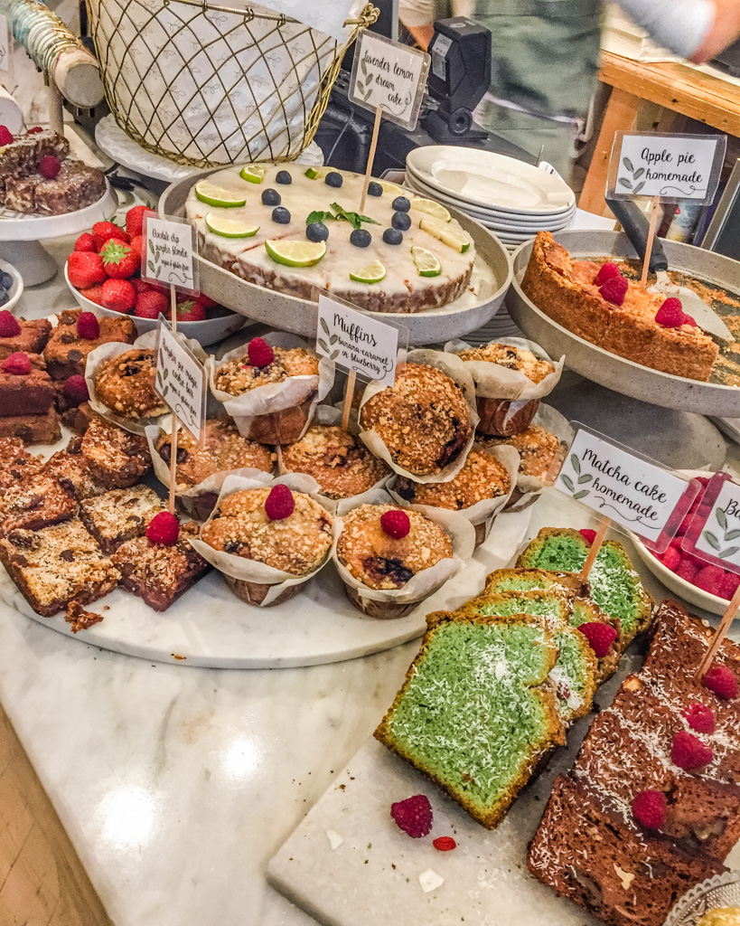Cakes at Pluk. Best breakfast and brunch in Amsterdam.