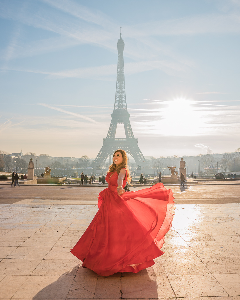 Photoshoot with the Eiffel Tower in Trocadero - Paris