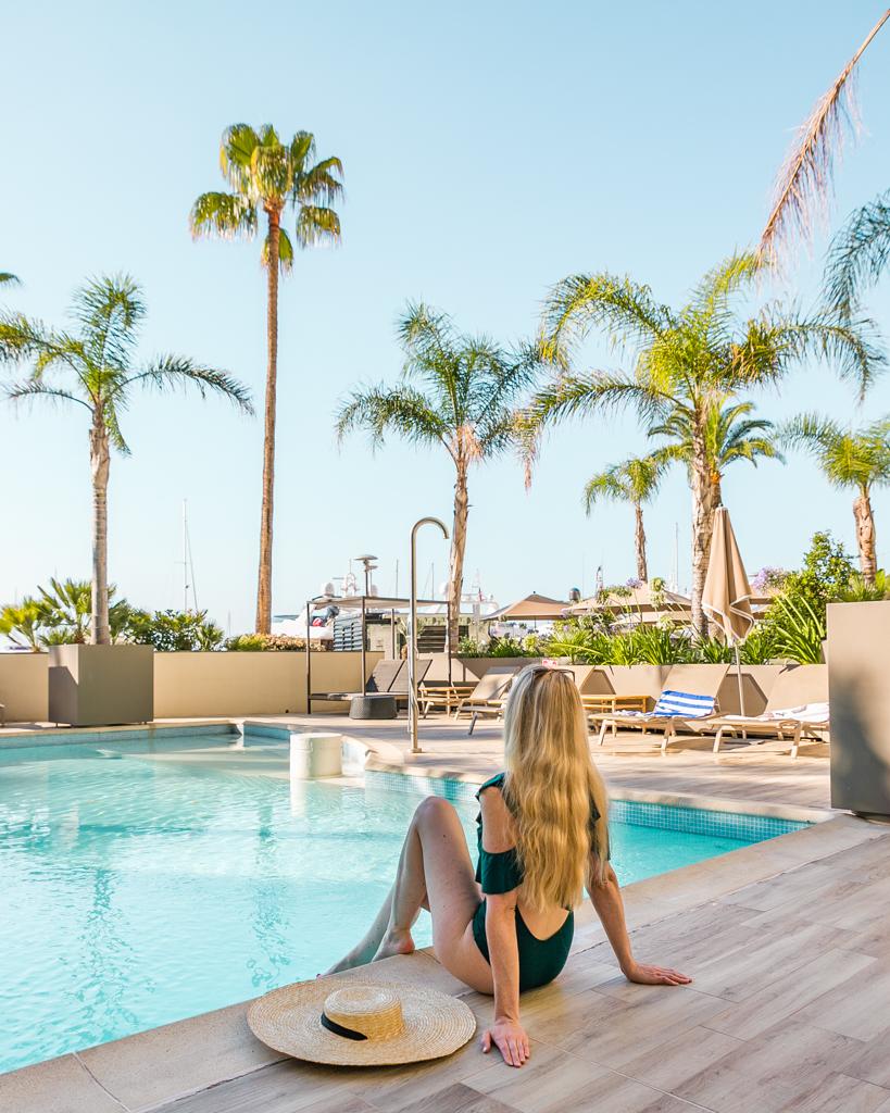 Swimming pool of the Riviera Marriott Porte de Monaco - French Riviera
