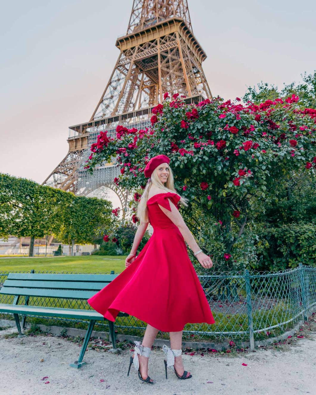Roses at the Eiffel Tower in the Champ de Mars - Paris