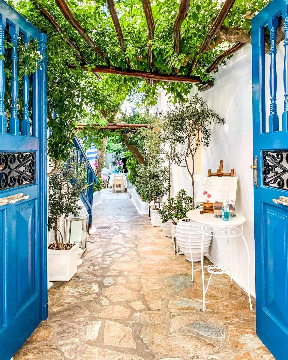 Avra Garden Restaurant in Mykonos