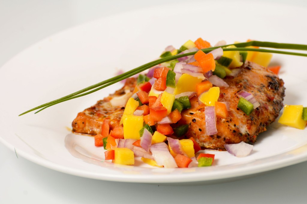 HOW TO MAKE GLAZED SALMON WITH CHIVES AND MANGO-PEACH SALSA